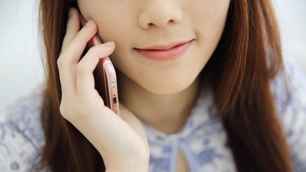 手機不離耳,讓你容易得腦瘤!腦神經內科醫師公開:有這種症狀,腦瘤機率翻倍