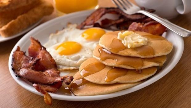 吃麵包,讓你吃不飽又發胖!毒理學專家教你挑早餐:早餐店裡最糟的東西是...