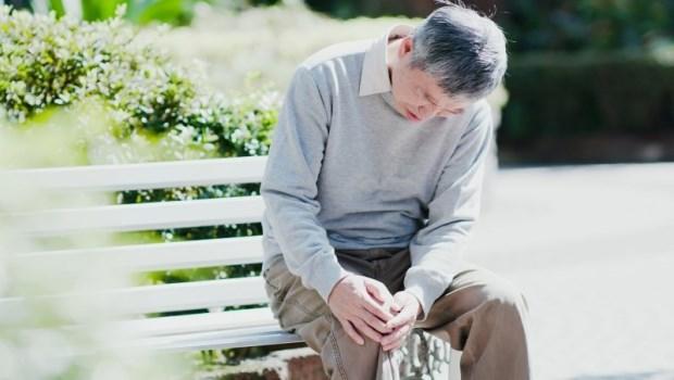 「蹬腳跟」可以防骨頭老化!骨科博士教你6招簡單練出好骨力,體力弱、年紀大都適用