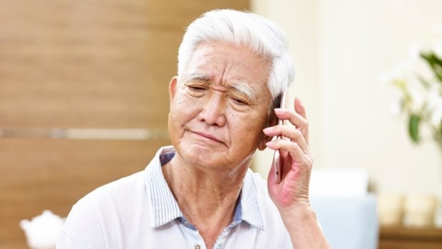 怕接父母電話、不敢問「過得還好嗎?」其實,沒人聽他們抱怨變老,才是最難堪的