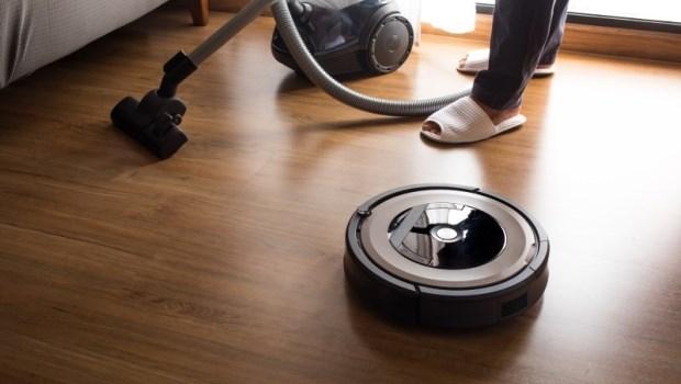 梅雨季用掃地機器人,等於在散播病菌!挑選機型、使用時機...專家一次講清楚