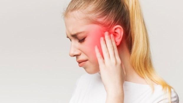 近年病例數超越喉癌,是國人頭頸癌第三名...耳朵痛要注意!醫師點名2大前兆