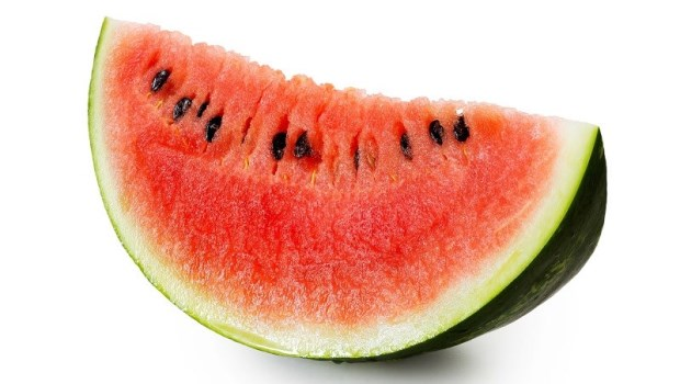 S型身材+零腰間肉!韓國女星劉寅娜夏天減肥秘訣:絕不吃西瓜、奇異果