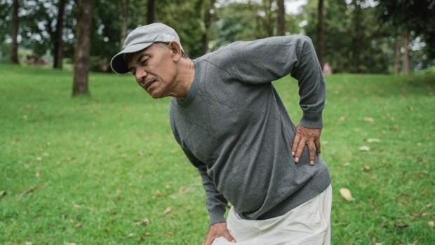 從腰椎滑脫到幾乎不痛了!脊椎保健達人點名:這姿勢是「腰椎殺手」