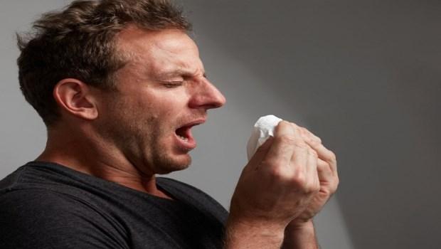 夏天鼻塞、流鼻涕,可能是寒氣所致!中醫師教你2穴道自我調理