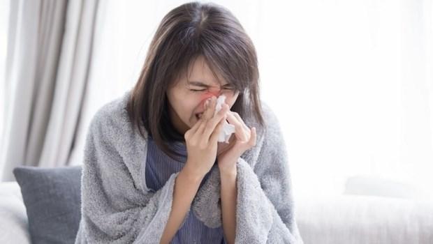 過敏性鼻炎麥擱來!中醫師教你在家也能刮痧,4部位+1手法鼻子好順暢