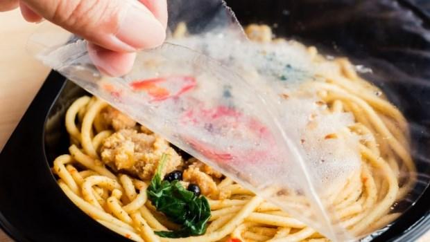 微波食品、碗盤套塑膠袋...台灣試管嬰兒之父曾啟瑞:這些壞習慣害卵巢提前報銷