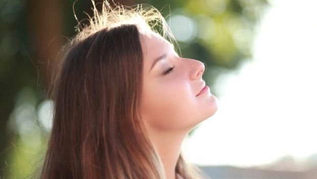 早上1分鐘,就能解便祕、消水腫!日本醫學教授:做5件事穩定失調的自律神經