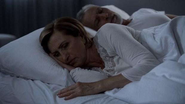 夫妻感情不睦,都是更年期導致?捏捏手、腳、耳穴,減少不適,增進感情