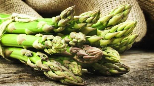 女性最適合吃「蘆筍」!改善貧血、消水腫、增加飽足感...但有一種人別多吃