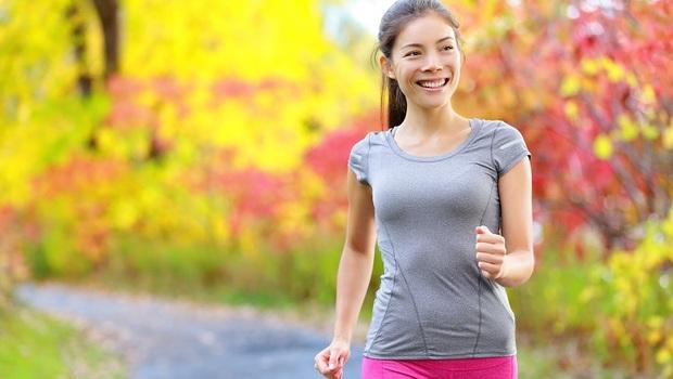 你最快花幾秒走完25公尺?日本醫學系教授:2方法測試你的身體年齡