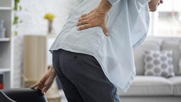 下半身易發冷,竟是腰椎退化警訊!骨科醫師教你一天3分鐘「健腰操」