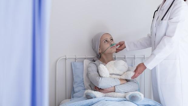 孩子沾血的衛生紙,是父母永遠的痛...一場血癌,如何烙印出15歲少年的堅強