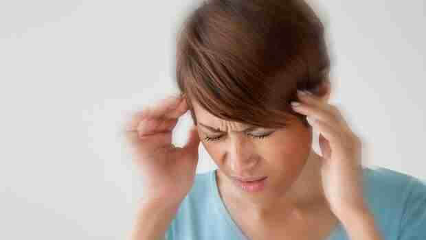 視力變差、頭痛別輕忽...可能是腫瘤!榮總醫師:造成頭痛的6種眼部疾病