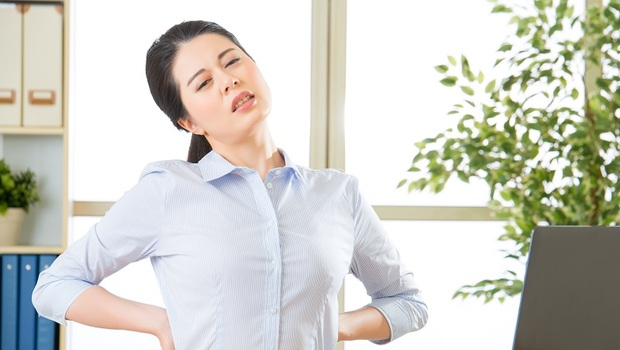 「腎」出了問題,看經期就知道!中醫師:補肝腎強腰骨,就靠「這杯茶」
