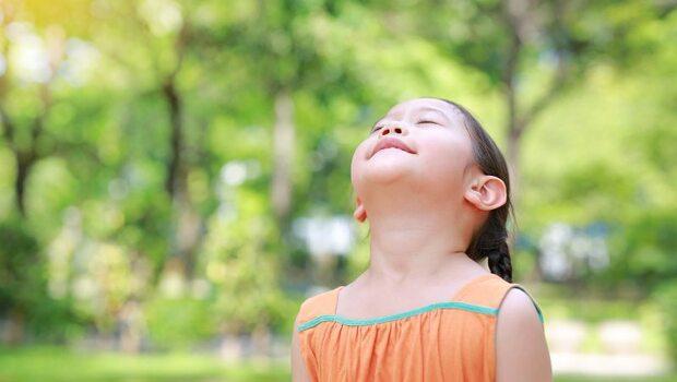 你懂呼吸嗎?「隱性缺氧」造成肩頸痠痛!專家:一天3次呼吸法,緩解疼痛及失眠