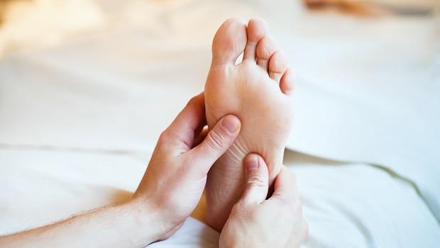 腳按了會痛,身體哪裡出了問題?中醫主任一張圖告訴你:從「足部」看出疾病訊號