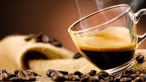除了吃魚油,「咖啡」也能預防乾眼症?這2種人,實證真的有效!