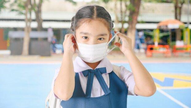 「脫口罩」比戴好口罩更重要!加護醫學部主治醫師提醒:3大NG脫口罩行為