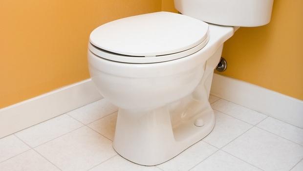 武漢肺炎》病毒在乾式表面竟可存活4到5天!上廁所也要小心,專家4招預防