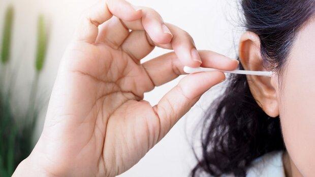 武漢肺炎》太常掏耳屎、拔鼻毛,恐增加感染機會!營養師告訴你:除了洗手,3方法增加免疫力