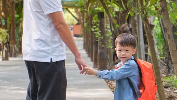父母給孩子吃退燒藥騙學校...「生病了就不要上學!」柚子醫師:想防疫請先拿出公德心