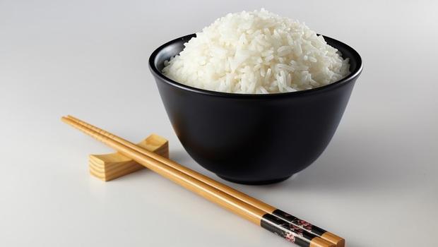 白米是「死亡的食物」!45年沒生過病的日本醫師:不生病的關鍵是「這樣吃」