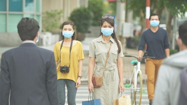 戴著口罩睡覺、11人因而殉職...一位歷經SARS的醫師回憶:武漢肺炎讓我們看到台灣的成長