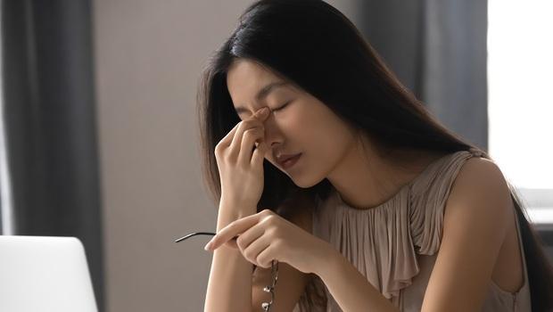 頭痛、失眠...恐是慢性發炎的徵兆,小心「頸椎病」已上身!醫師:遠離5大地雷食物