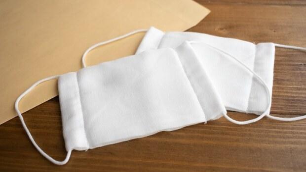 武漢肺炎》安倍的可洗滌「布口罩」,直接送、不用讓人民排隊,為什麼日本還搞到可能要封城?
