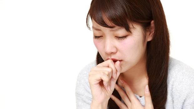 久咳不癒,是感冒、肺癌還是肺結核?醫師警告:若出現這「5大症狀」恐致命!