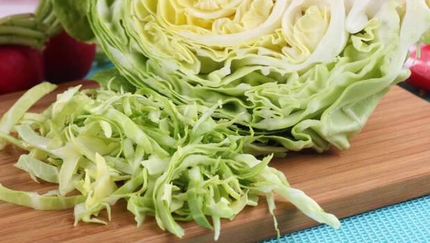 有食譜》「高麗菜」也有乳酸菌,竟還比優格的活更久、直抵腸道!日醫學博士教你:「這樣做」乳酸發酵高麗菜