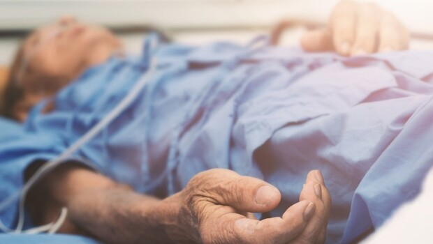 專家帶你看懂「好好死」的三個方式:安樂死、預立醫囑、安寧緩和條例,他們有什麼不一樣?