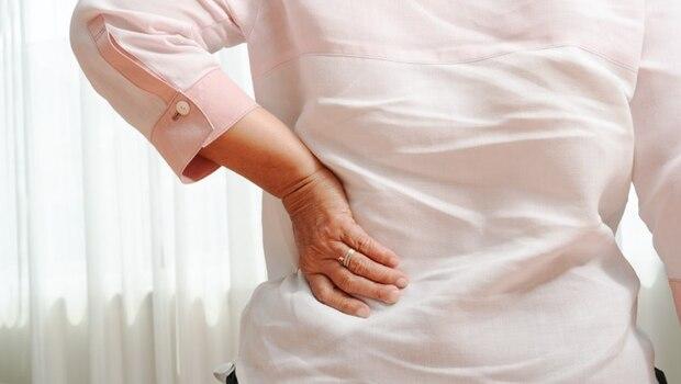 從早上起床到晚上洗臉,這些錯誤姿勢都是「腰痛」元凶!專家教你:「6種不良姿勢」一次改善