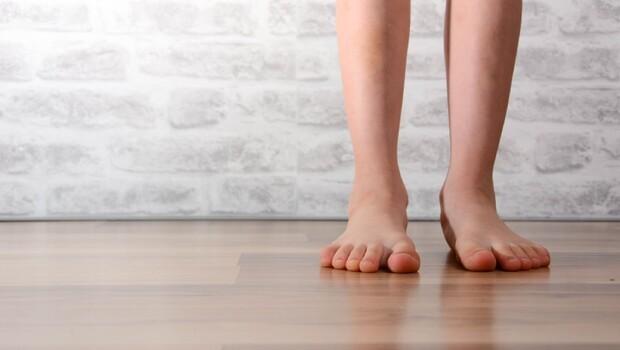 什麼是「肌肉激素」?竟可抗發炎、瘦身又防老...醫師教你:在家「這樣站」1分鐘就夠
