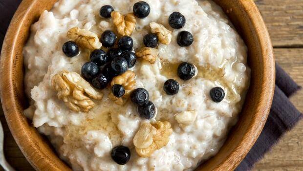 想降膽固醇吃燕麥、防癌症挑黑麥!「5大常見麥片」功效怎麼挑?營養師一次告訴你