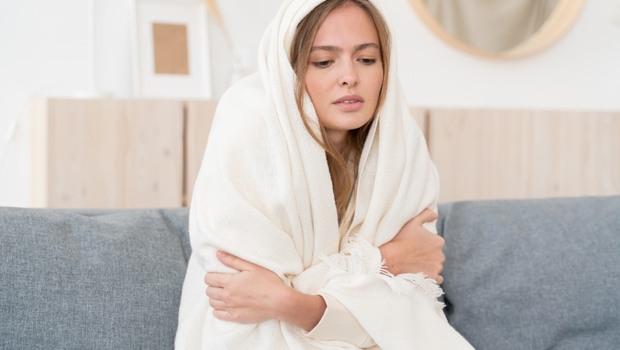 不只悶熱流汗,太冷也會讓你的「異位性皮膚炎」更嚴重!過敏科醫生教你4招保養,避免皮膚搔癢