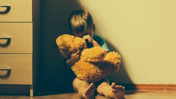 爸媽都是精神病患,在療養院一見鐘情...從小就是「瘋子的小孩」,偏鄉教師文國士:我要走出「家庭複製的悲劇」