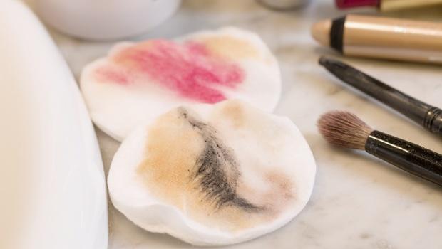 卸妝油、卸妝乳怎麼選?為什麼用卸妝油會長痘痘?保養專家:10大NG保養法,你中了嗎?