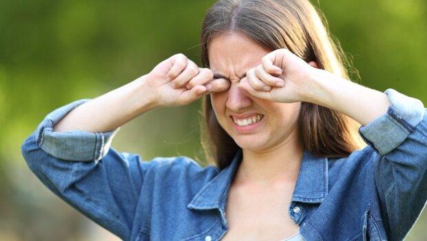 剛開始眼脹、易疲倦...久了竟變「青光眼」!眼科醫師警告:8成患者初期無症狀,「這13類高風險群」要小心