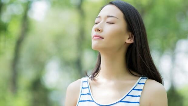 肺,竟從35歲就開始衰退!3招「強肺呼吸法」:呼吸對了,強化心肺、改善自律神經紊亂