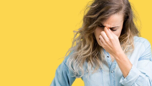 「黃斑部出血」其實沒感覺?眼科醫師警告:眼睛感覺「霧霧的」,恐不知不覺損失視力!