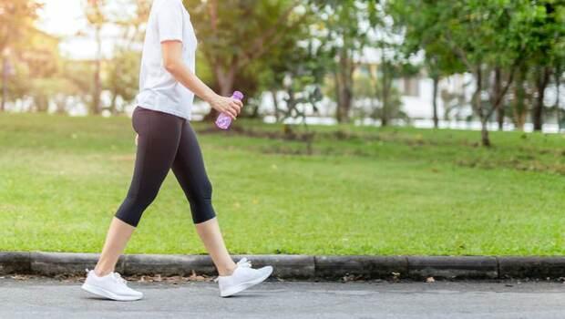 「日走萬步」其實沒你想像的健康!快學日本醫學博士的「黃金健走法」:預防肌少症、失智症,一次到位
