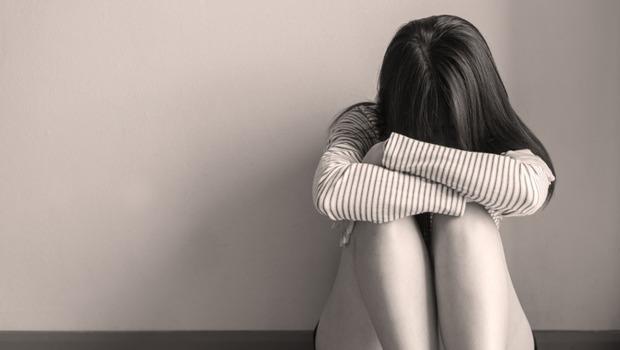 為什麼憂鬱症病人不可以太開心?一個憂鬱症女孩的38天精神病院日記:原來治療真正目的不是快樂起來,而是...