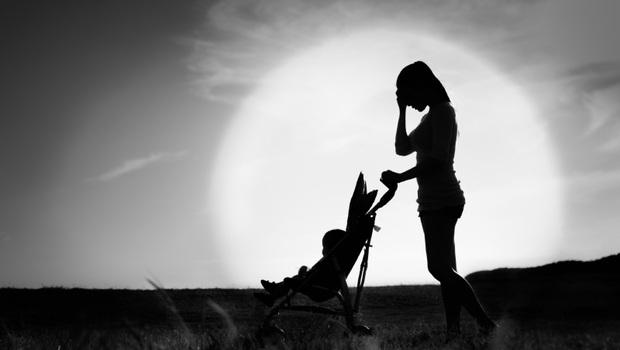 「產後憂鬱」的距離比妳想得更近!醫師群給媽媽的「6個練習」,讓妳從肩膀到腳趾都放鬆,趕走不安、焦慮
