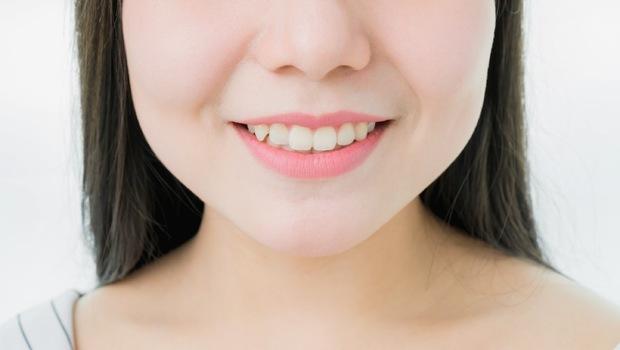晚上會磨牙,竟是「醣」惹的禍!牙醫:要避免禍從口入,你該知道的3個「口腔健康秘密」