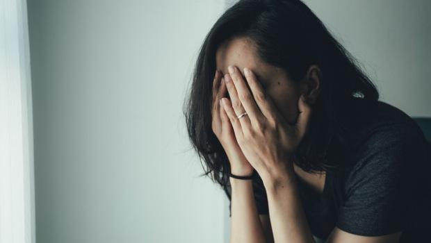 人情是負擔、人情冷暖是傷害...精神科醫師警告:農曆年前後,才是「憂鬱症」放棄的開始