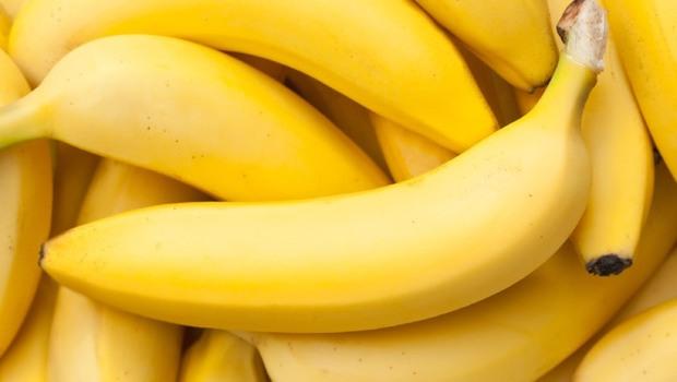 香蕉、蕃茄…台灣很多人愛吃的水果,竟會引發過敏!台大皮膚科醫師:多數台灣人不知道自己有「乳膠水果過敏症候群」