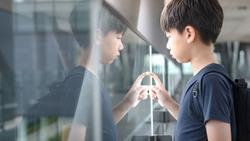 兒子離家出走,被警察找到,為什麼這位爸爸的第一句話卻是:「你是不是忘了帶牙刷牙膏?」