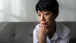 「我一輩子潔身自愛,當個好太太,卻得2種性病!」一位在診間痛哭的60歲婦人,給婦產科女醫師的啟示